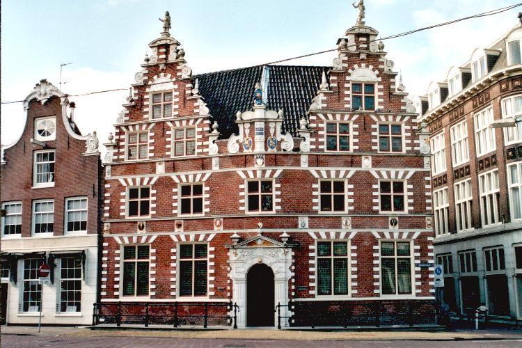 Gevelstijlen van historische woonhuizen in hoorn hollandse